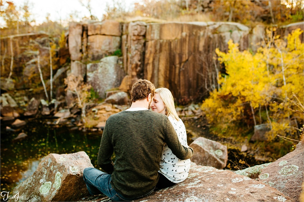 st-cloud-minnesota-wedding-photographer-unique-waite-park-quarries-fall-beer