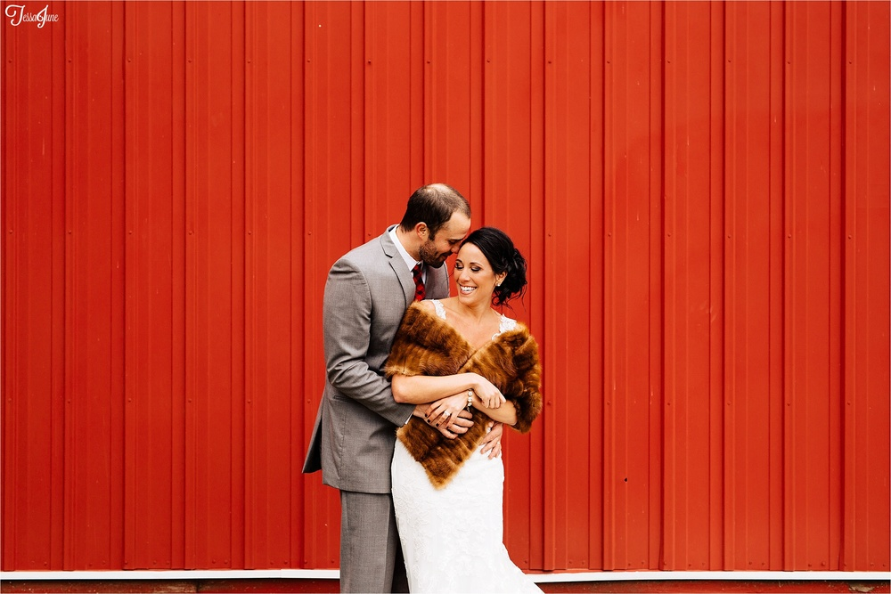 st-cloud-minnesota-wedding-photography-hamburg-winter-buffalo-plaid-rustic-red-barn-fur-bride-groom