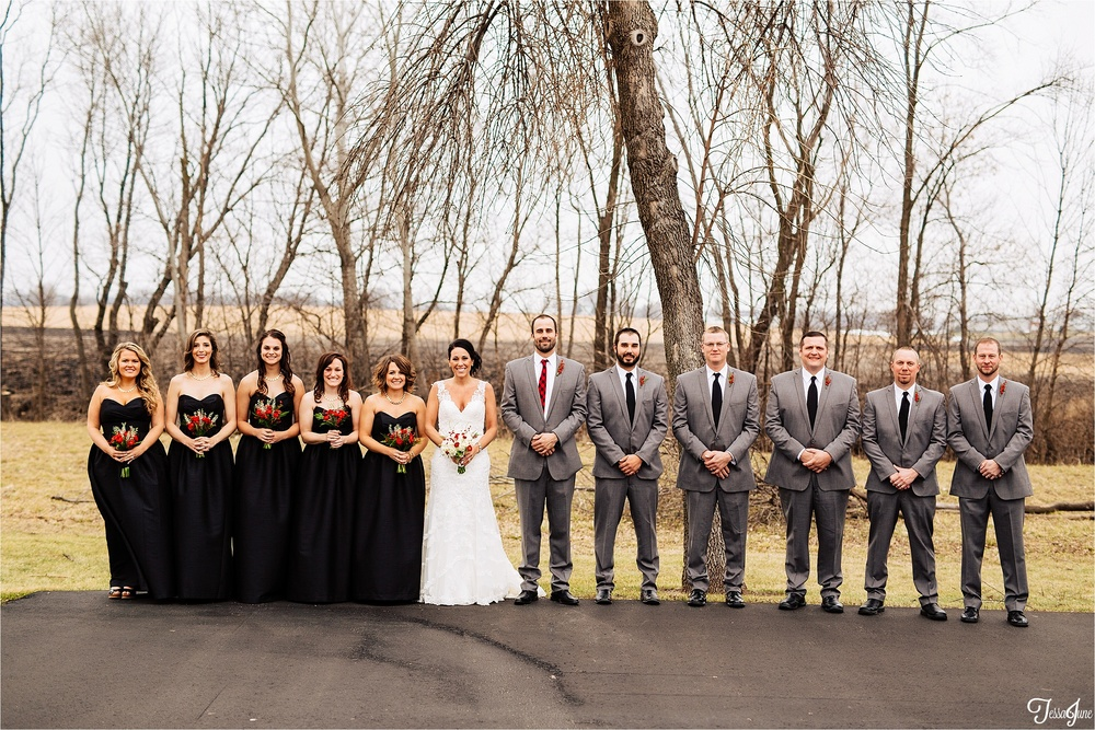 st-cloud-minnesota-wedding-photography-hamburg-winter-buffalo-plaid-rustic-bridal-party