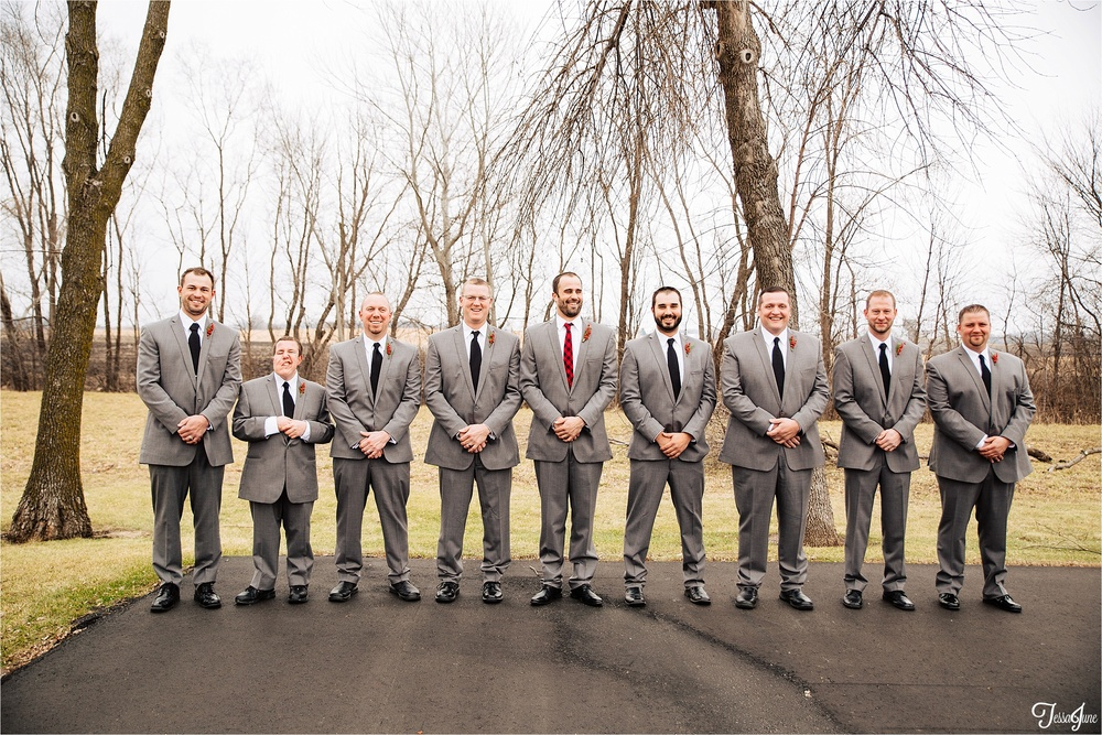 st-cloud-minnesota-wedding-photography-hamburg-winter-buffalo-plaid-rustic-groomsmen