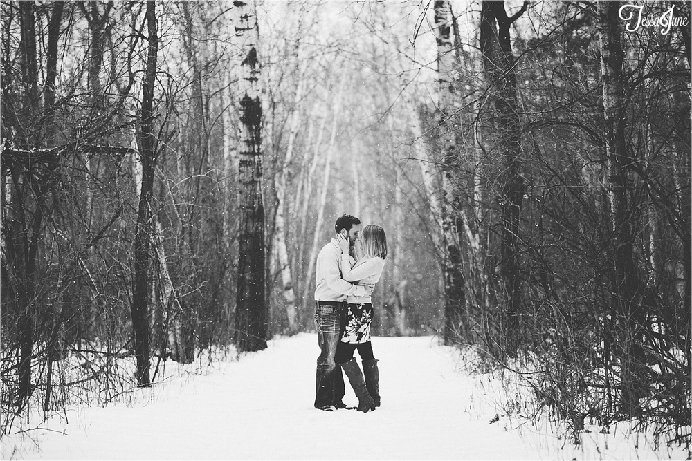 st-cloud-minnesota-winter-engagement-snow-cabin-woods-wedding