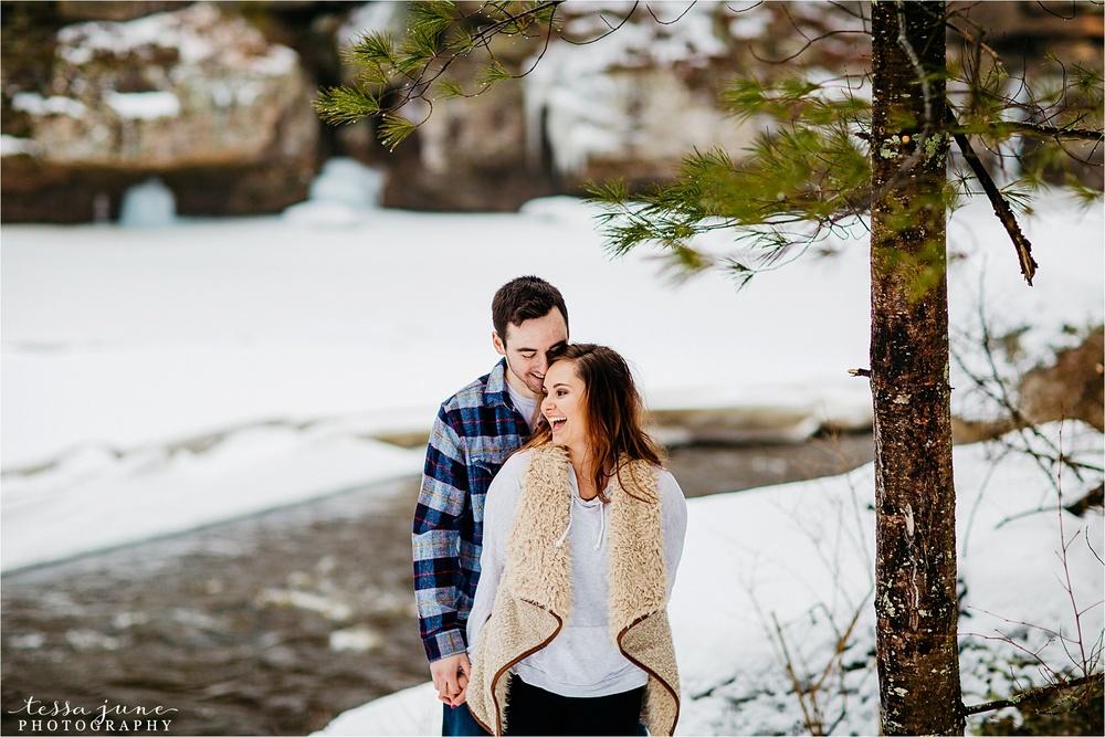 banning-state-park-winter-engagement-st-cloud-minnesota-wedding-photographer