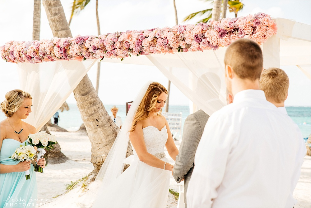 punta-cana-dreams-palm-beach-resort-destination-wedding-dominican-republic-ceremony