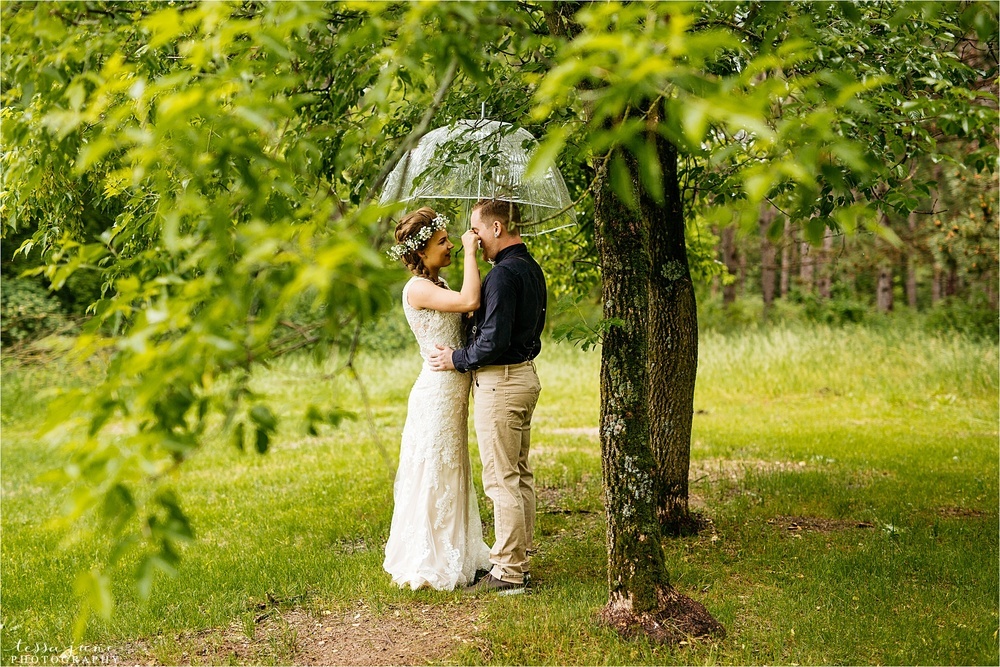 bohemian-forest-wedding-stillwater-minnesota-flower-crown-st-cloud-photographer-rain-first-look