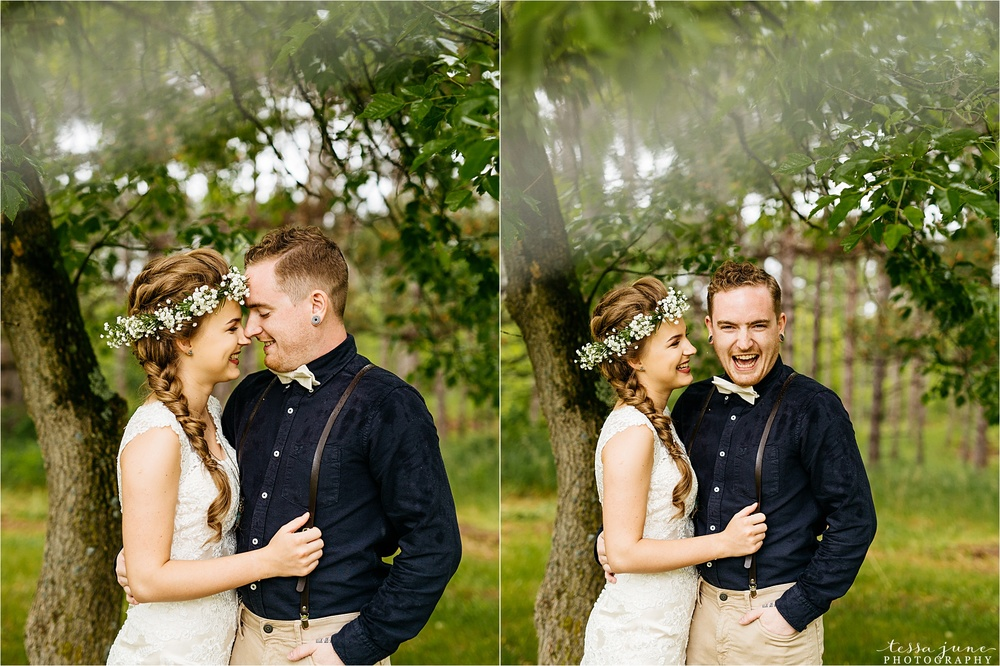 bohemian-forest-wedding-stillwater-minnesota-flower-crown-st-cloud-photographer-rain