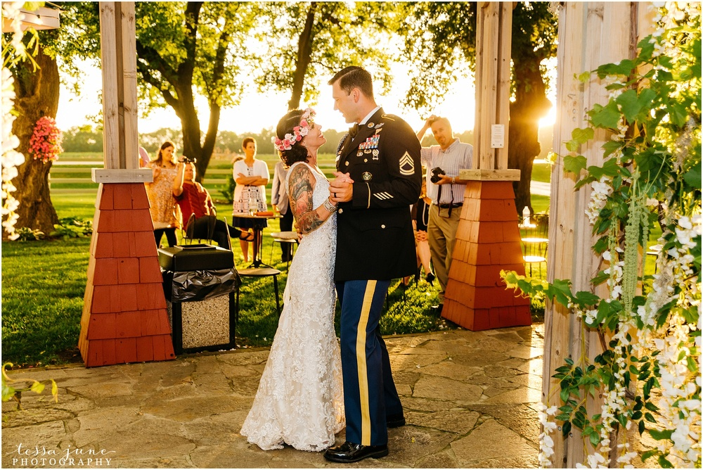 carlso-creek-winery-alexandria-wedding-minnesota