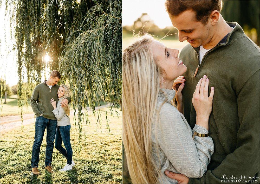 minnesota-harvest-orchard-engagement-st-cloud-wedding-photographer-fall-16.jpg