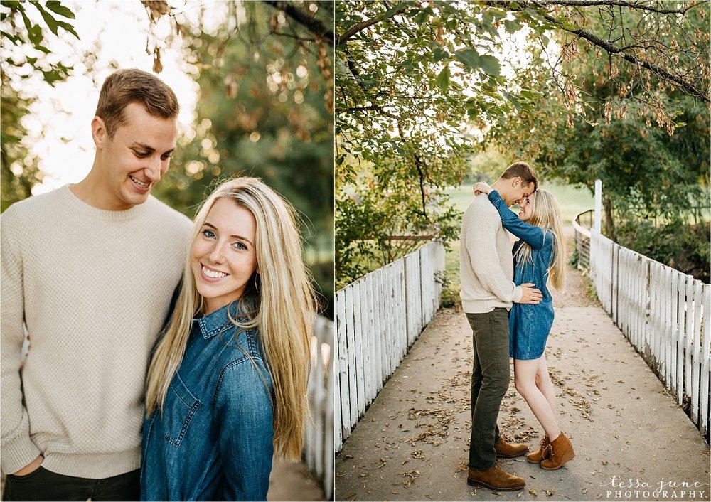 minnesota-harvest-orchard-engagement-st-cloud-wedding-photographer-fall-25.jpg