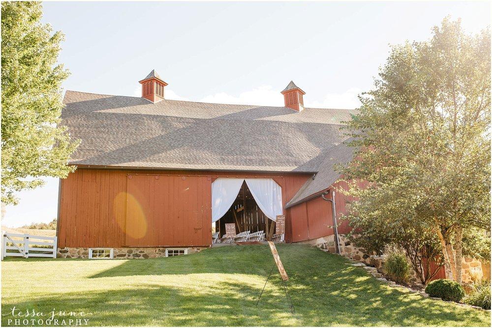 birch-hill-barn-glenwood-city-wisconsin-st-cloud-wedding-photographer-4343.jpg