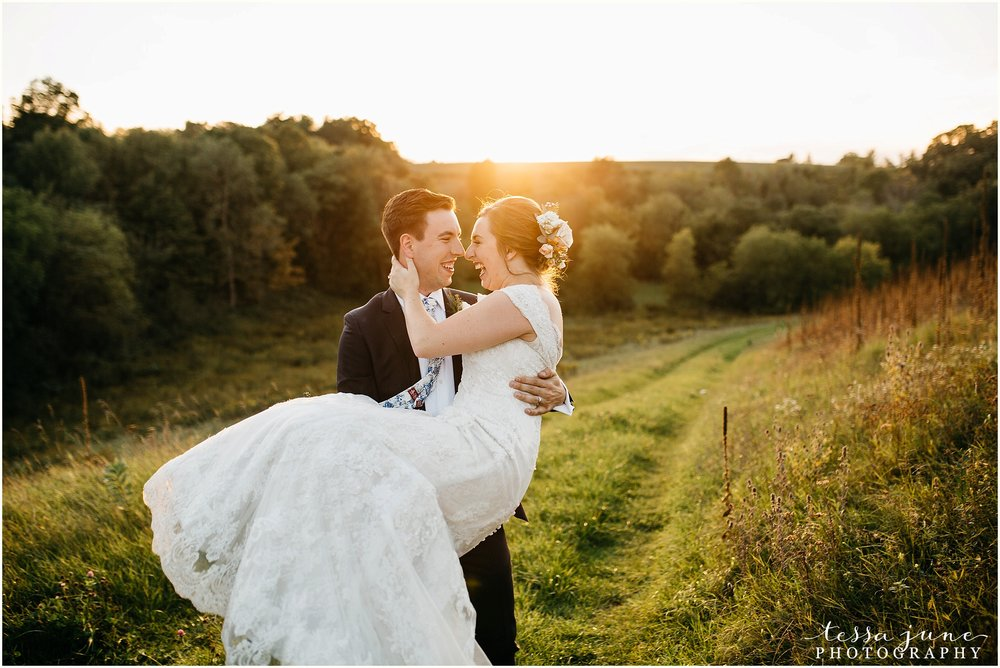 birch-hill-barn-glenwood-city-wisconsin-st-cloud-wedding-photographer-5042.jpg