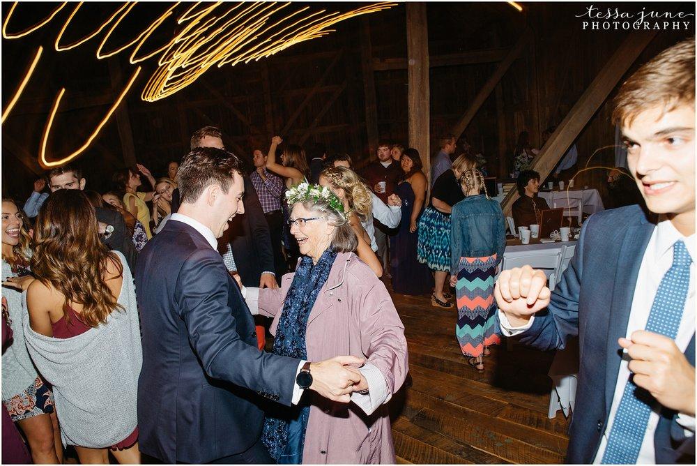 birch-hill-barn-glenwood-city-wisconsin-st-cloud-wedding-photographer-5762.jpg