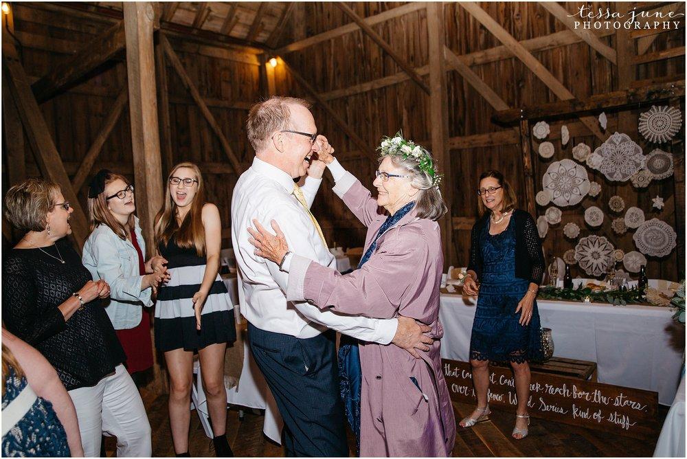 birch-hill-barn-glenwood-city-wisconsin-st-cloud-wedding-photographer-5785.jpg