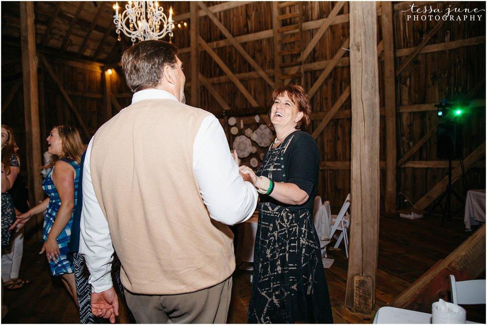 birch-hill-barn-glenwood-city-wisconsin-st-cloud-wedding-photographer-5774.jpg