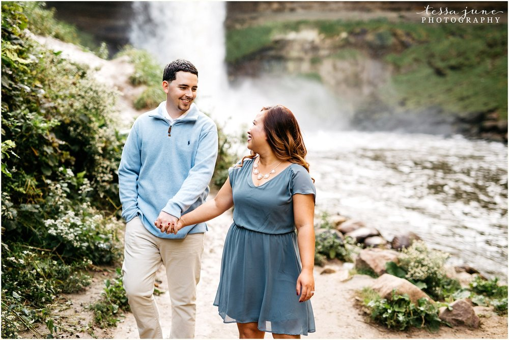 minnehaha-falls-engagement-st-cloud-photographer-3.jpg
