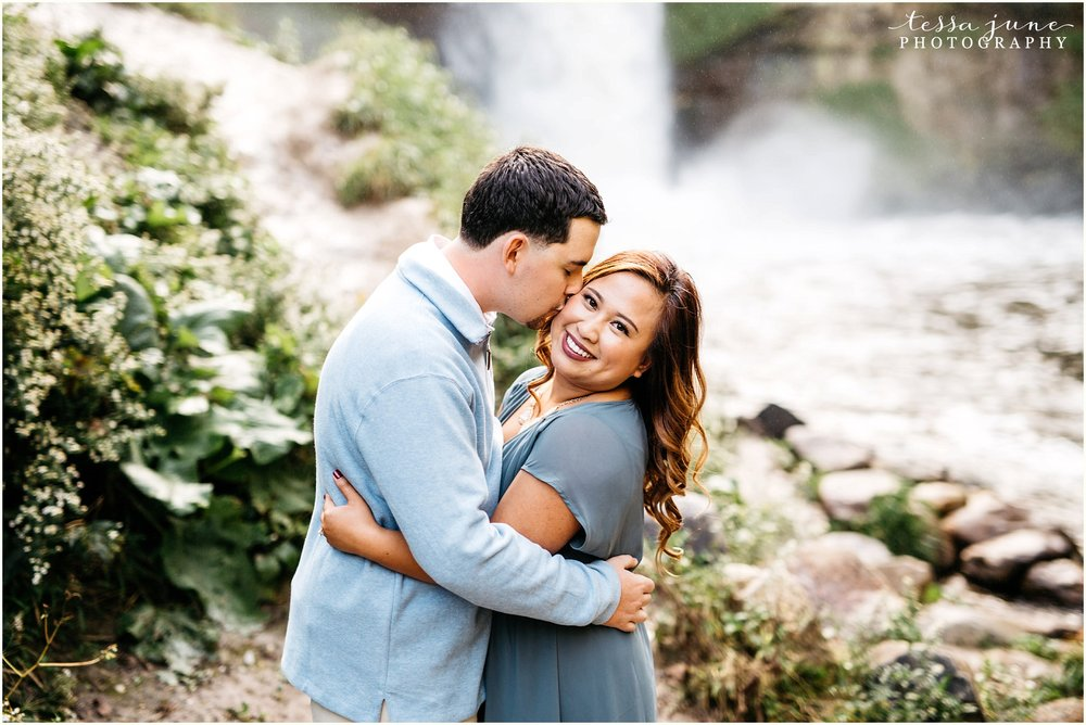 minnehaha-falls-engagement-st-cloud-photographer-2.jpg