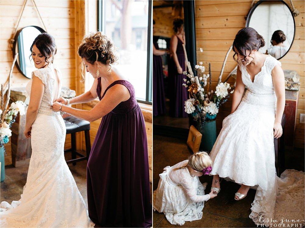 the-grands-at-mulligans-wedding-october-sartell-st-cloud-minnesota-photographer-13.jpg