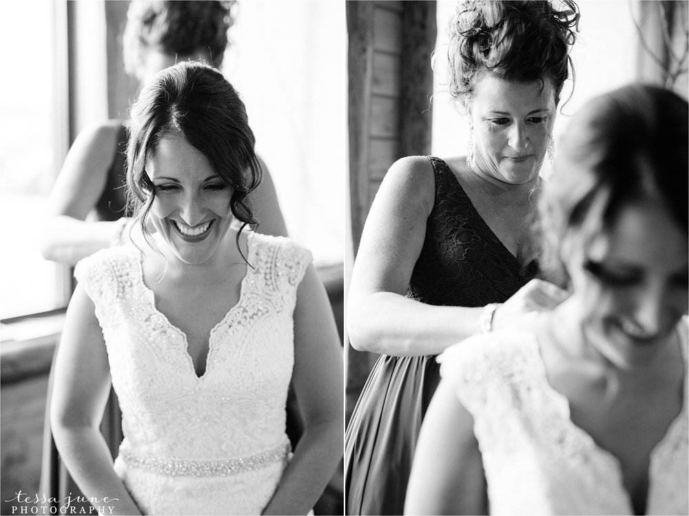 the-grands-at-mulligans-wedding-october-sartell-st-cloud-minnesota-photographer-16.jpg