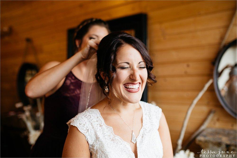 the-grands-at-mulligans-wedding-october-sartell-st-cloud-minnesota-photographer-20.jpg