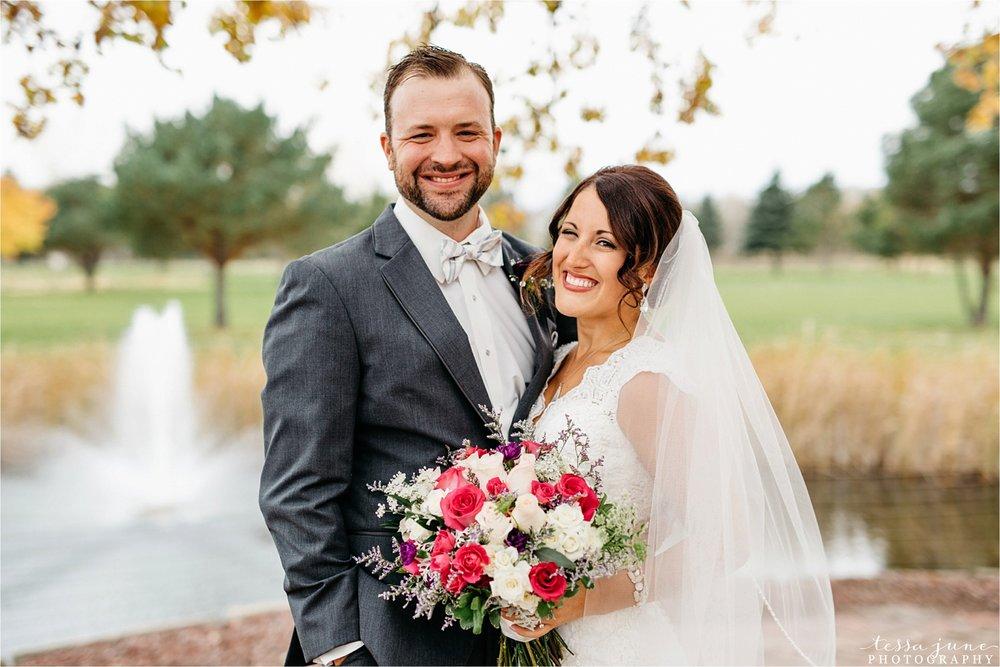 the-grands-at-mulligans-wedding-october-sartell-st-cloud-minnesota-photographer-27.jpg