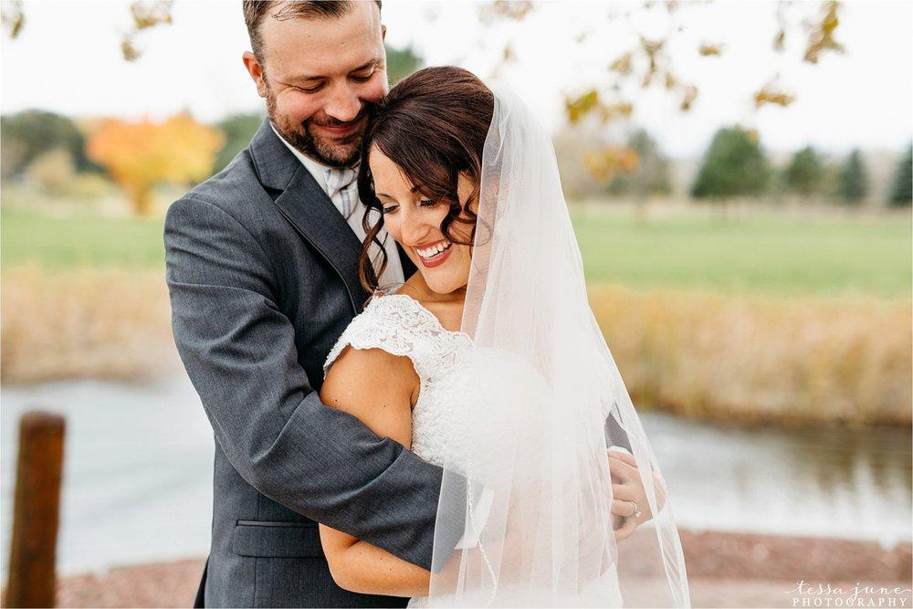 the-grands-at-mulligans-wedding-october-sartell-st-cloud-minnesota-photographer-31.jpg
