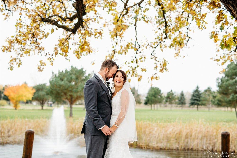 the-grands-at-mulligans-wedding-october-sartell-st-cloud-minnesota-photographer-30.jpg