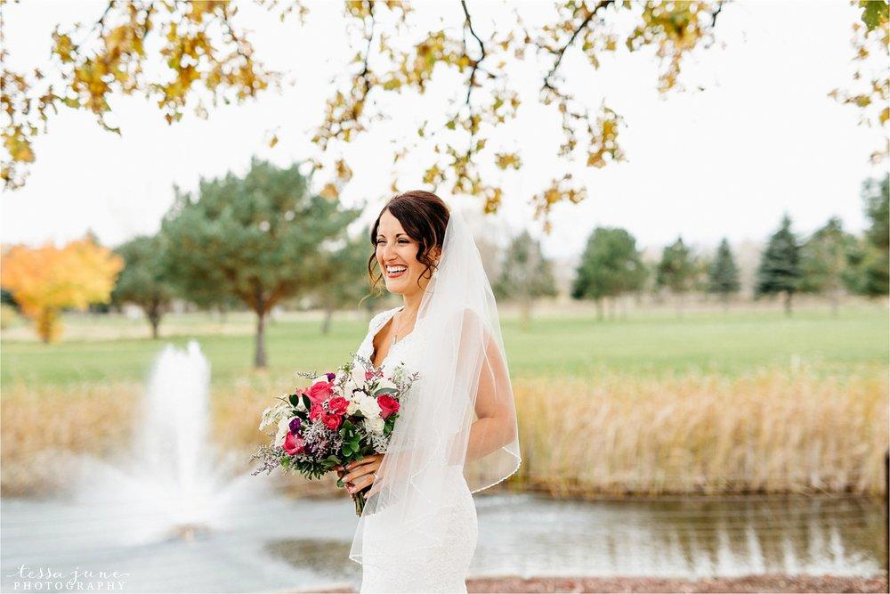 the-grands-at-mulligans-wedding-october-sartell-st-cloud-minnesota-photographer-33.jpg
