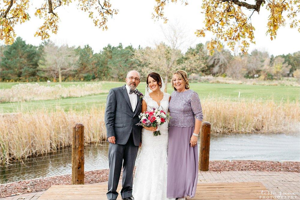the-grands-at-mulligans-wedding-october-sartell-st-cloud-minnesota-photographer-60.jpg