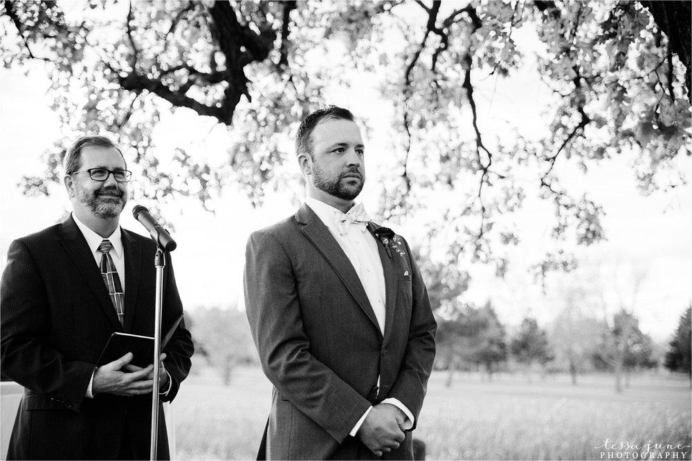 the-grands-at-mulligans-wedding-october-sartell-st-cloud-minnesota-photographer-83.jpg