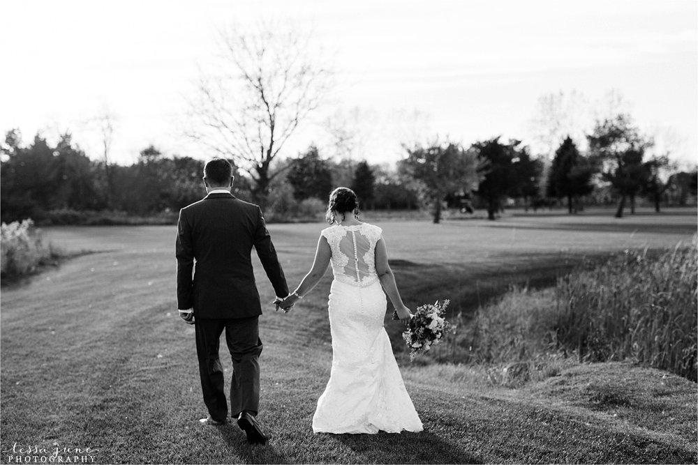 the-grands-at-mulligans-wedding-october-sartell-st-cloud-minnesota-photographer-98.jpg