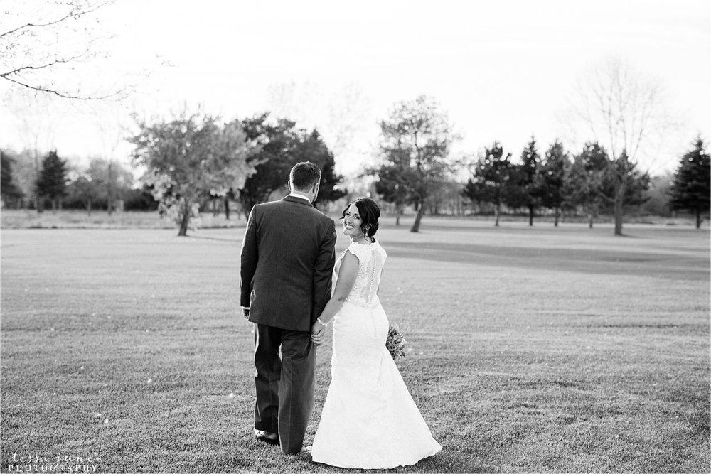 the-grands-at-mulligans-wedding-october-sartell-st-cloud-minnesota-photographer-99.jpg