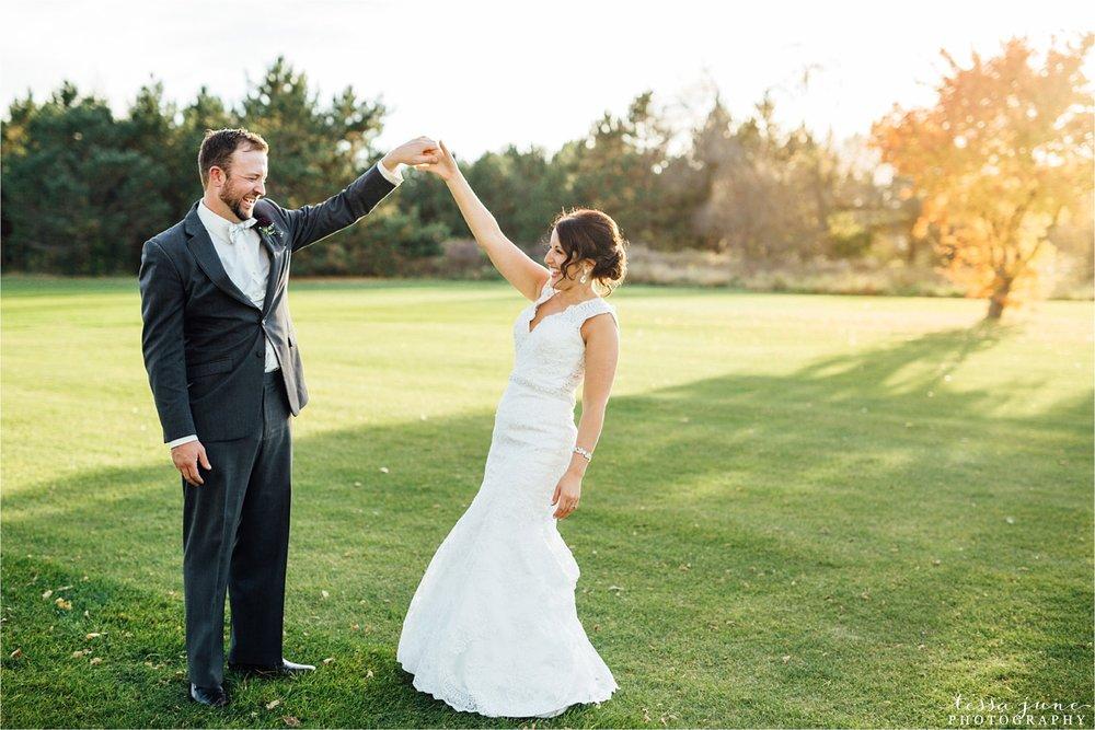 the-grands-at-mulligans-wedding-october-sartell-st-cloud-minnesota-photographer-105.jpg