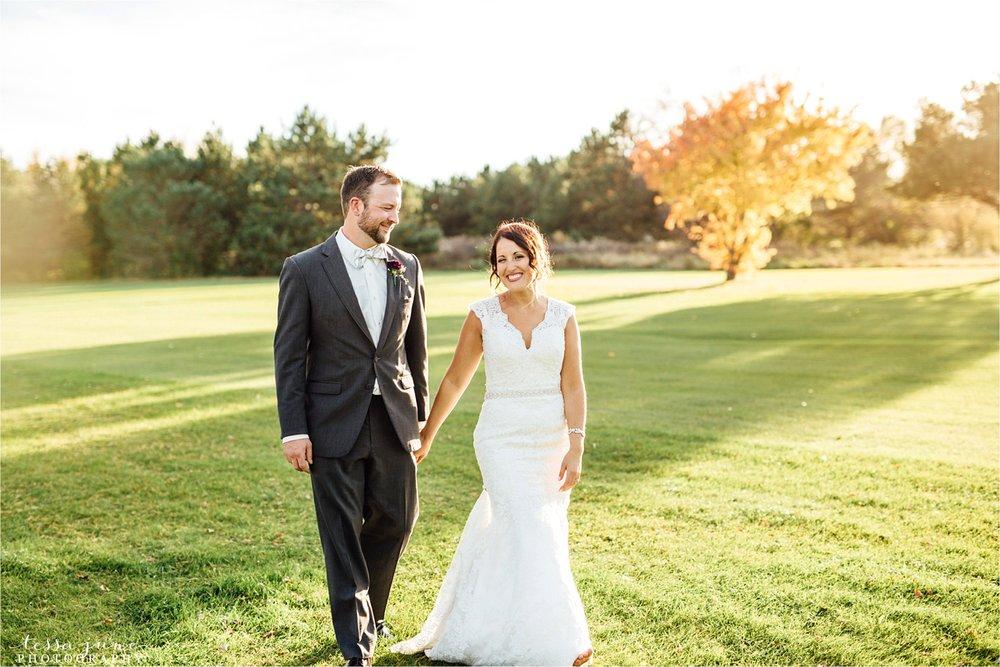 the-grands-at-mulligans-wedding-october-sartell-st-cloud-minnesota-photographer-107.jpg