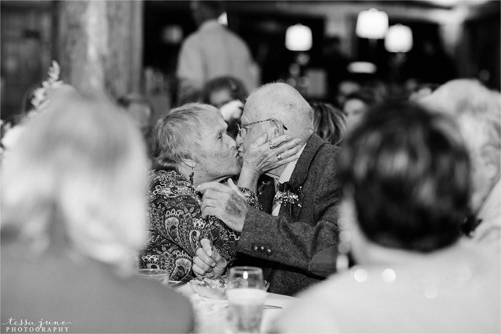 the-grands-at-mulligans-wedding-october-sartell-st-cloud-minnesota-photographer-116.jpg