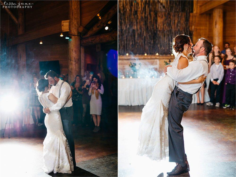 the-grands-at-mulligans-wedding-october-sartell-st-cloud-minnesota-photographer-126.jpg