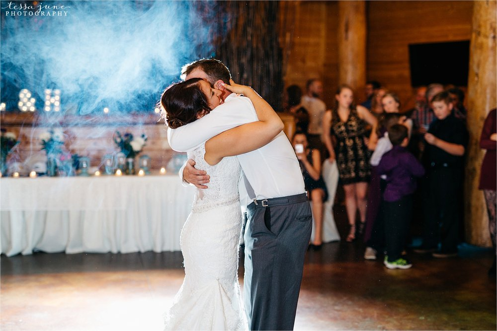 the-grands-at-mulligans-wedding-october-sartell-st-cloud-minnesota-photographer-130.jpg