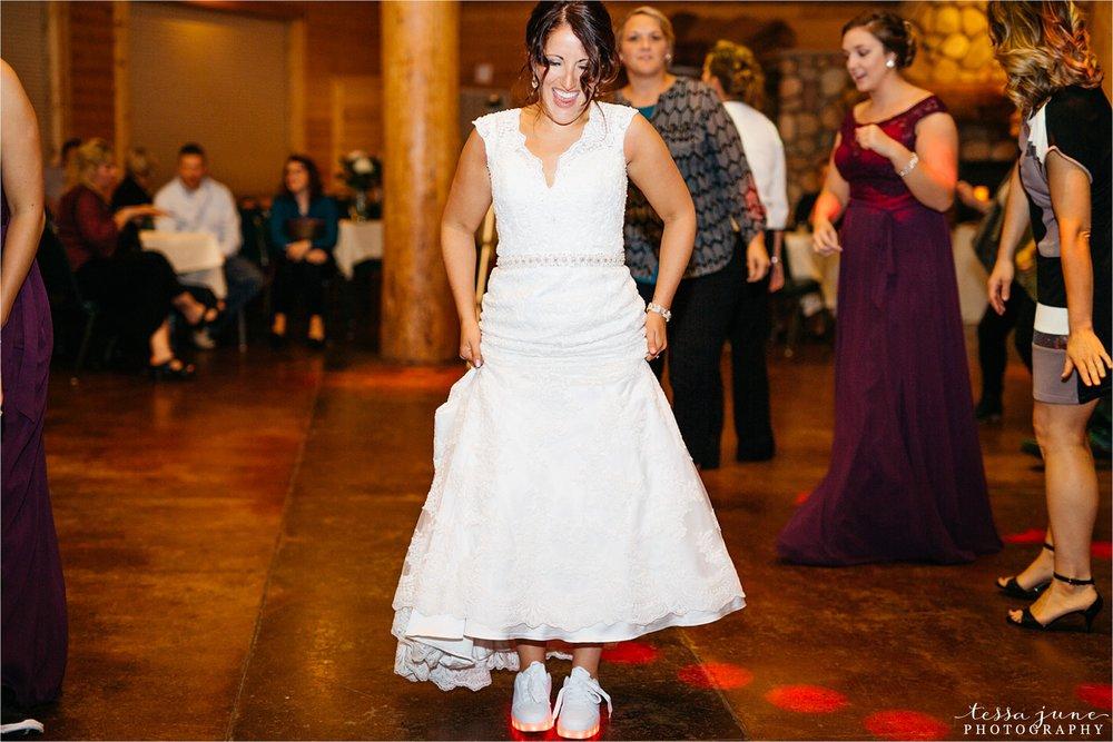 the-grands-at-mulligans-wedding-october-sartell-st-cloud-minnesota-photographer-137.jpg