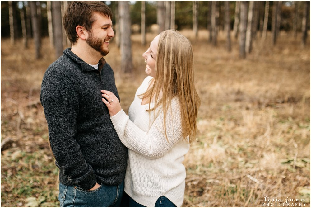 february-woods-engagement-session-st-cloud-montissippi-park-3.jpg