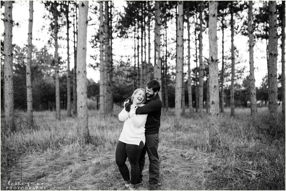 february-woods-engagement-session-st-cloud-montissippi-park-7.jpg