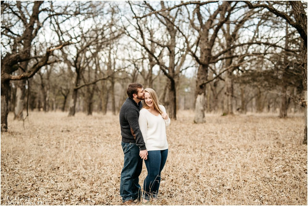 february-woods-engagement-session-st-cloud-montissippi-park-18.jpg