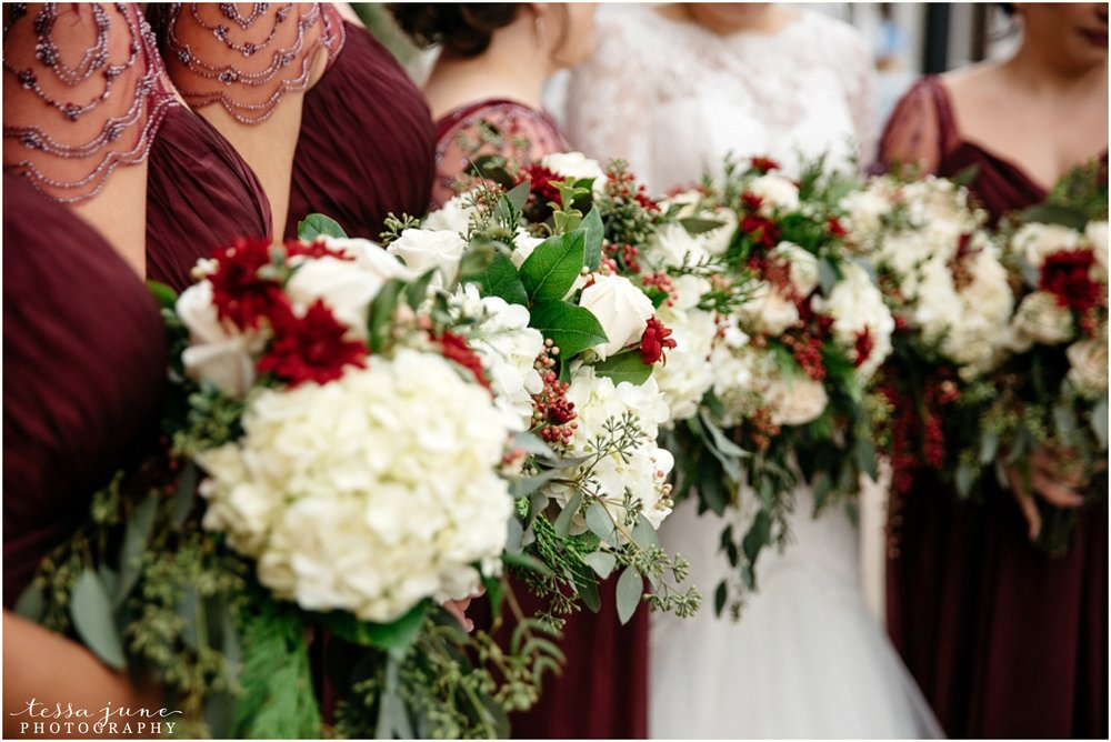 912-regency-plaza-wedding-st-cloud-winter-decemeber-bouquet-bridesmaids