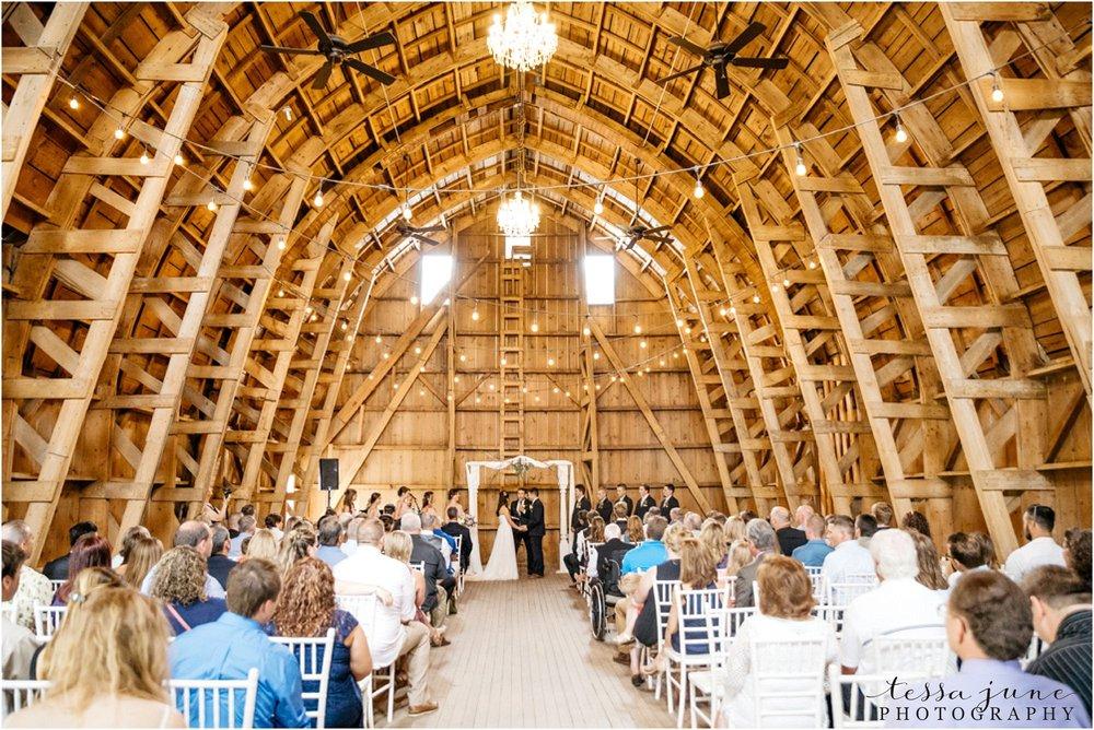 the-cottage-farmhouse-wedding-glencoe-minnesota-barn-2142.jpg