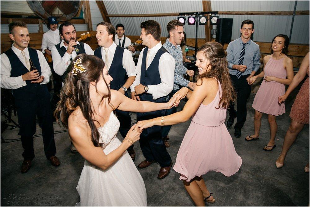 the-cottage-farmhouse-wedding-glencoe-minnesota-barn-3048.jpg