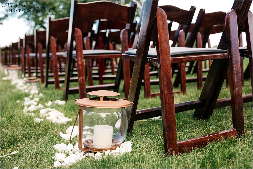 st-cloud-minnesota-wedding-photographer-outdoor-wedding-with-farm-tables-and-gorgeous-floral-from-artemisia-studios-28.jpg