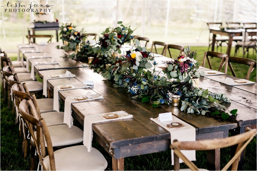 st-cloud-minnesota-wedding-photographer-outdoor-wedding-with-farm-tables-and-gorgeous-floral-from-artemisia-studios