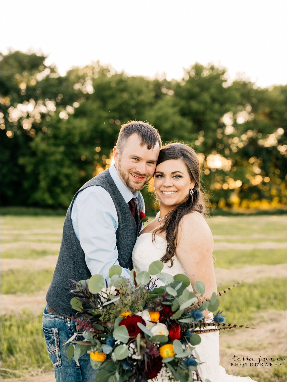 st-cloud-minnesota-wedding-photographer-outdoor-wedding-with-farm-tables-and-gorgeous-floral-from-artemisia-studios-40.jpg