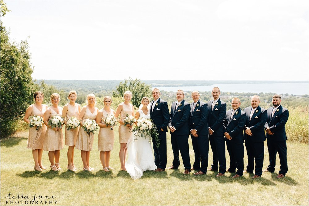 mount-lookout-lakeside-ballroom-wedding-in-alexandria-minnesota-tessa-june-photography
