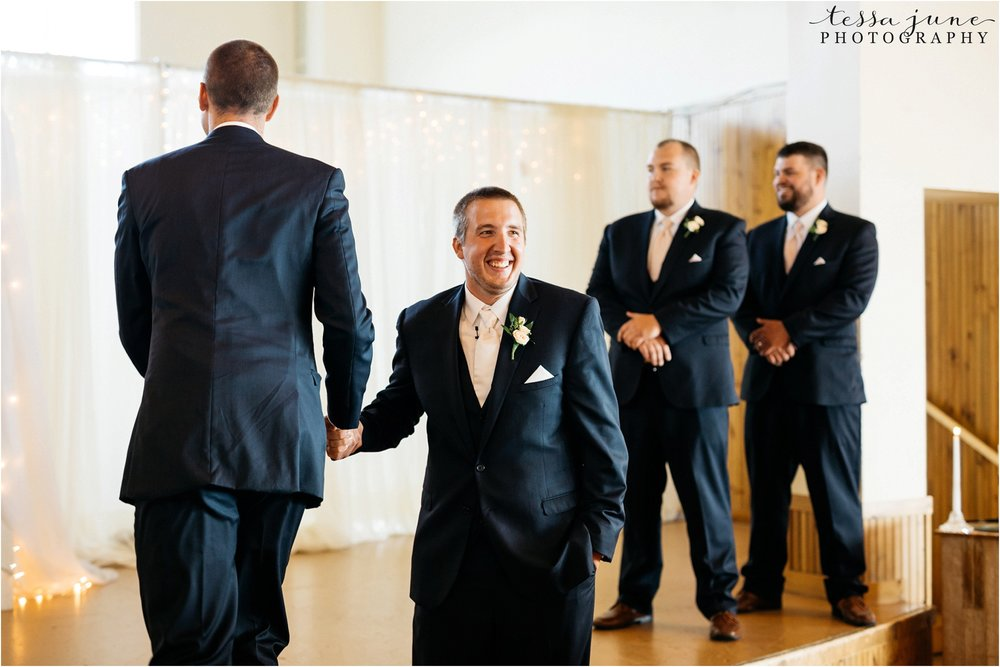 lakeside-ballroom-wedding-in-alexandria-minnesota-tessa-june-photography-49.jpg