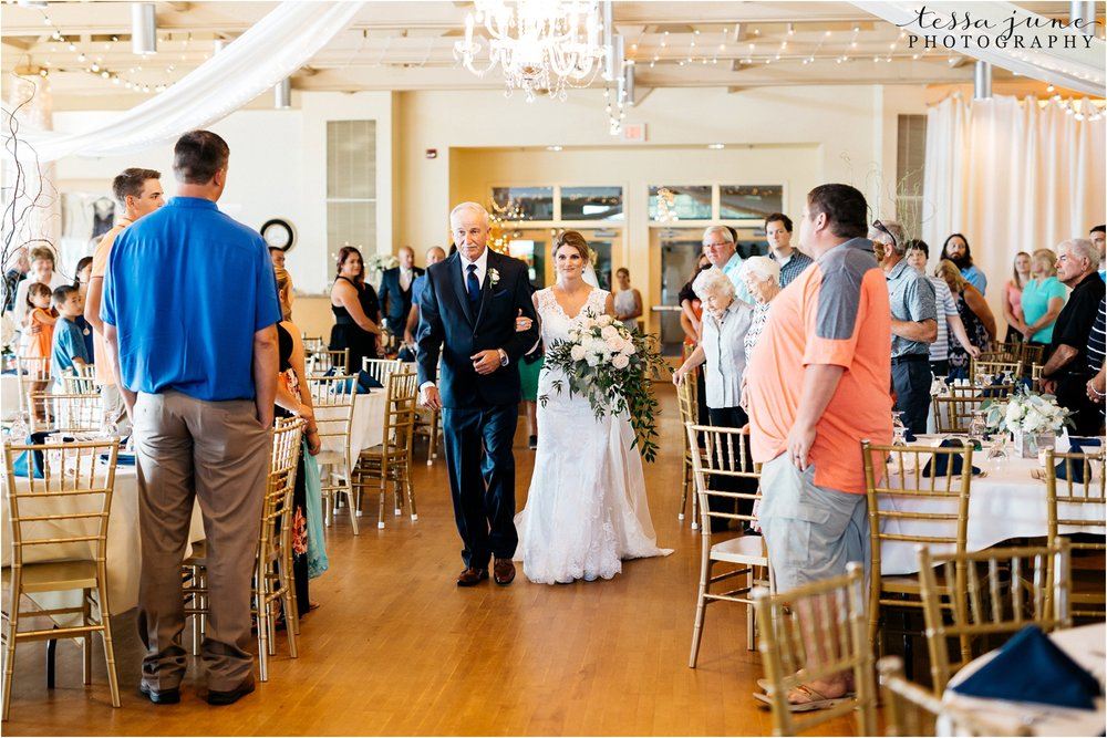 lakeside-ballroom-wedding-in-alexandria-minnesota-tessa-june-photography-ceremony
