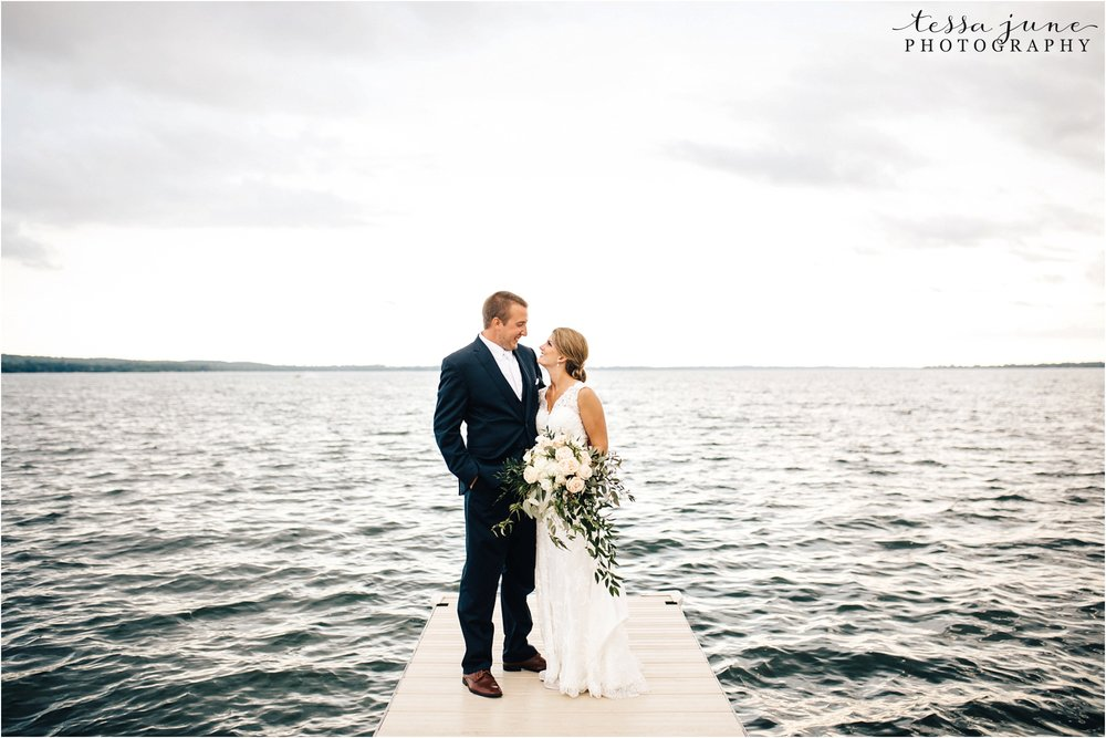 lakeside-ballroom-wedding-in-alexandria-minnesota-tessa-june-photography