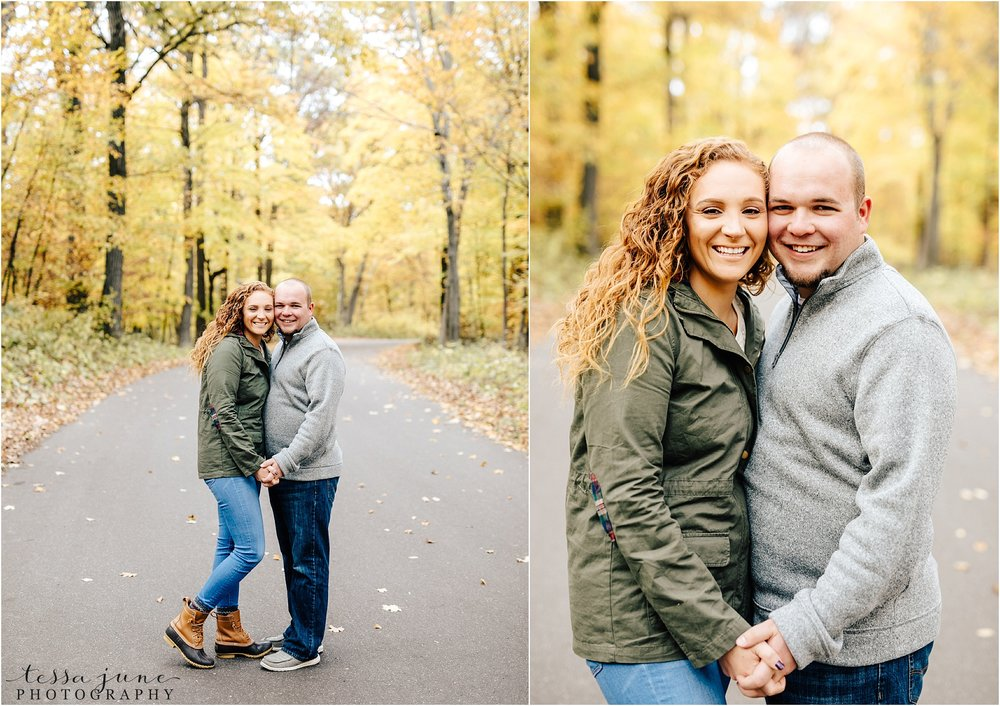 st-cloud-wedding-photographer-lake-maria-engagement-in-the-fall-green-jacket